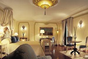 """12 khách sạn """"bắt buộc"""" phải đến thăm - P.1: Cipriano & Palazzo Vendramin"""