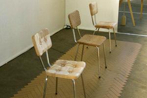 Ghế gỗ `mềm`