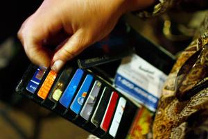Làm gì khi mất thẻ tín dụng?