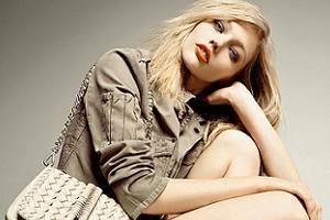 Sasha Pivovarova trẻ trung với thời trang Santa Lolla