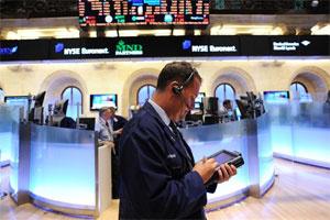 Nỗ lực cuối phiên, Dow Jones lên sát 10.600 điểm