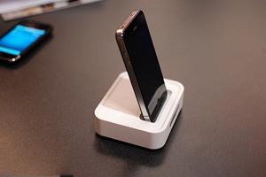 Dock không dây cho iPhone