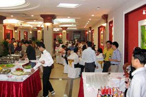 Dịch vụ cưới đắt khách dịp đại lễ