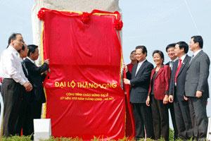 Chính thức thông xe Đại lộ dài nhất Việt Nam
