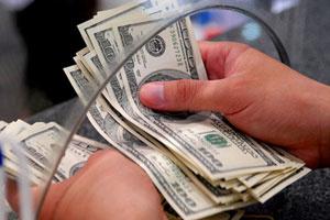 USD tự do gần đổi được 20.000 đồng, giá vàng sụt sâu