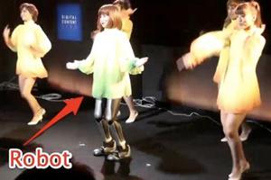 Robot biết hát và nhảy múa