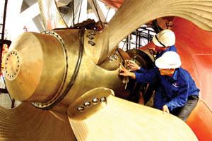 Vinashin khởi công đóng mới tàu chở hàng 53.000 tấn