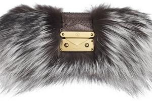 Túi xách lông cáo của Louis Vuitton