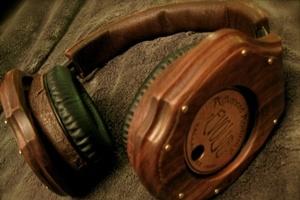 Phiên bản steampunk của tai nghe Monster Beats