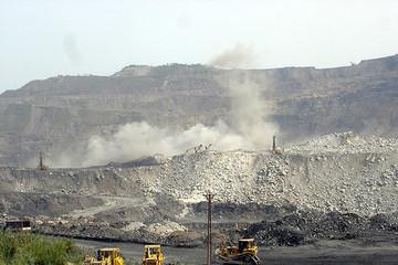 Thành lập Tổng công ty Công nghiệp Hóa chất mỏ