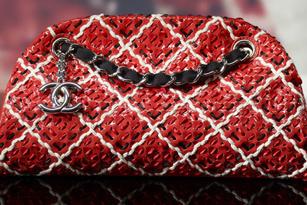 Chanel: BST túi chuẩn bị cho Xuân Hè 2011