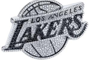 Phụ kiện kim cương của NBA
