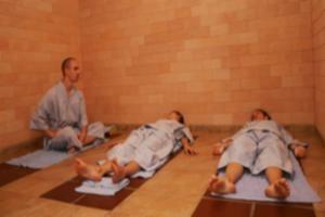 Nằm giường nóng Eco tại spa Zennova chỉ với 90.000đ