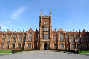Cơ hội học bổng 100% học phí Đại học Queen's, Belfast