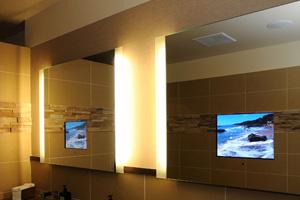 TV trong gương