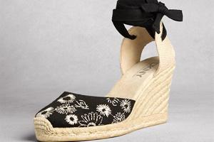 Xinh xắn với giày, xăng đan đế xuồng DKNY