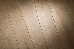 Sàn gỗ uốn lượn tự nhiên