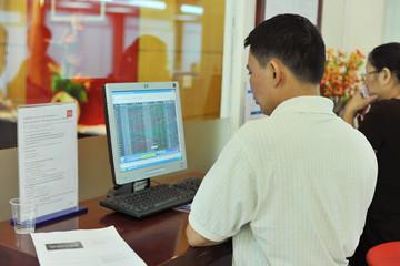 Cầu bắt đáy nhập cuộc, VN-Index bất ngờ bật tăng mạnh mẽ