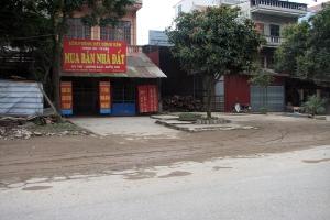 Địa ốc Hà Nội, người mua bị ''ép sân''