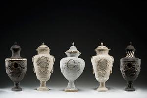 Những tác phẩm gốm sứ