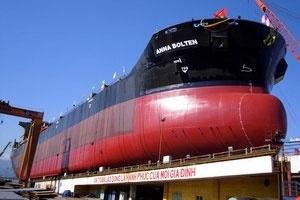 Hạ thủy tàu chở hàng 53.000 tấn đóng cho Đức
