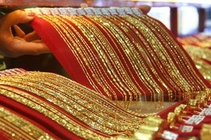 Vàng, bạc đua nhau tăng giá tại thị trường châu Á