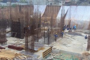 Biệt thự xây thô tràn lan do hợp đồng thiếu ràng buộc