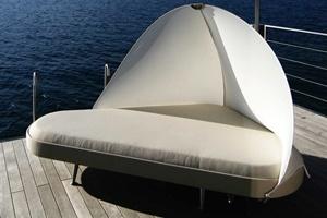 Ghế dài tắm nắng của Usona Home