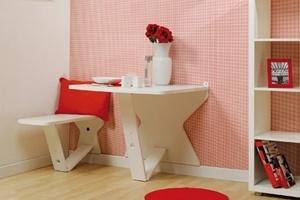 Bàn ghế gắn trên tường