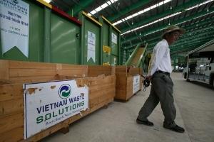 Nhà máy xử lý rác xin nhập... phế liệu