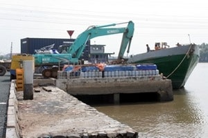 TP.HCM đưa cảng sông Phú Định vào hoạt động