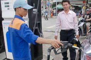 Giá xăng liệu có giảm?