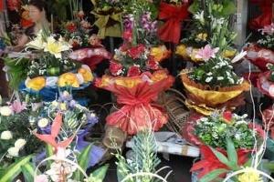 Giá hoa tươi tăng chóng mặt trước ngày Phụ nữ