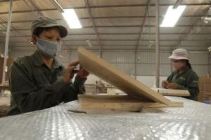Lương tại nhiều doanh nghiệp nhà nước gấp 3 lần khối FDI