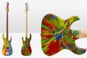 Damien Hirst thiết kế guitar bass phiên bản giới hạn