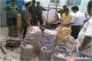 Phát hiện một cơ sở sang chiết gas lậu lớn tại Hà Nội
