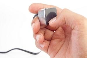 TheKube2 - Máy nghe nhạc màn hình cảm ứng nhỏ nhất thế giới