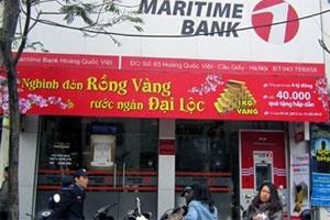Hà Nội: Táo tợn ôm mìn giả xông vào cướp ngân hàng