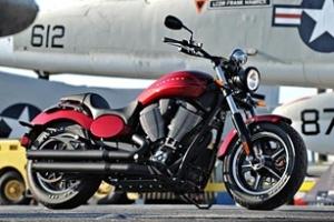 Victory Motorcycles Judge 2012: Tân binh của dòng xe cơ bắp