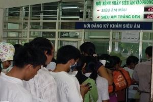 Khám - chữa bệnh BHYT tạiTPHCM:  Hơn 50% số bệnh nhân không hài lòng