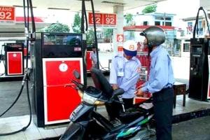 Quản lý chất lượng xăng dầu: Cách nào?