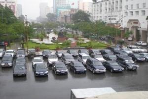 TP.HCM: Chậm xây bãi đậu xe, khó dẹp được vỉa hè