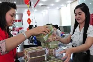 Ngân hàng giảm lãi suất: Doanh nghiệp trả nợ cũ để vay mới