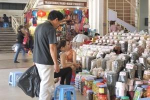 Hà Nội: Tràn lan ô mai, xí muội không rõ nguồn gốc
