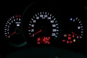 7 thói quen làm hại xe hơi