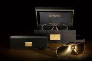 Bộ đôi kính gọng vàng của Dolce & Gabbana