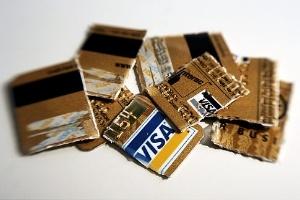 """Khi thẻ tín dụng của bạn """"phủ bụi"""""""