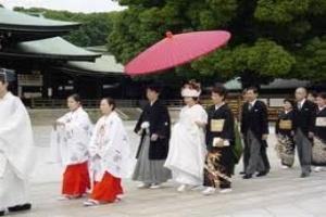 Trai Nhật ế vợ vì kinh tế khó khăn
