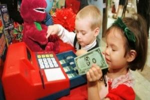 Sai lầm thường gặp khi trẻ biết tiêu tiền