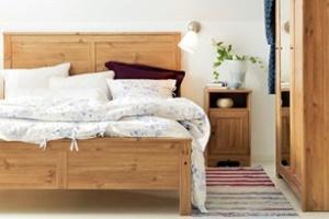 Phòng ngủ ấm cúng với gỗ mộc